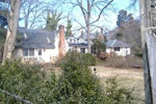 Sleepy Hollow Farm Bed & Breakfast: Mainhouse & Cottage west view