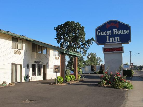 Photo of Guest House Inn Junction City