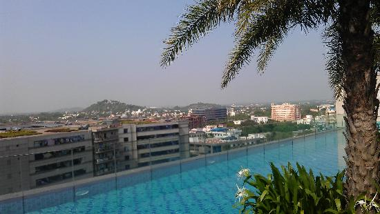 Hilton Chennai: Roof Top Relaxation