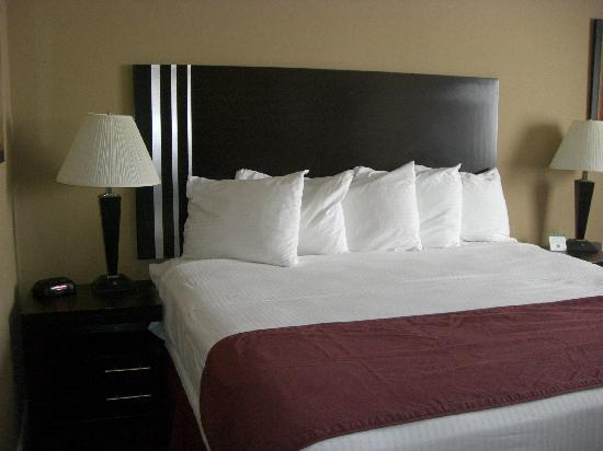 Days Inn Bellingham: king size bed