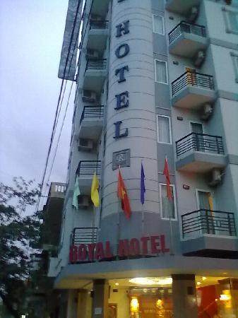 Tuyen Quang, Вьетнам: The hotel from the main street