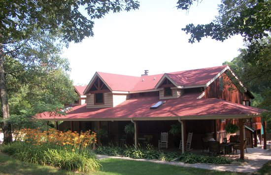 Peaceful Oaks Bed Breakfast and Barn