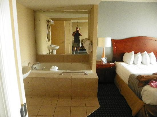 Jaccuzi In Master Bedroom Picture Of Wyndham Skyline Tower Atlantic City Tripadvisor