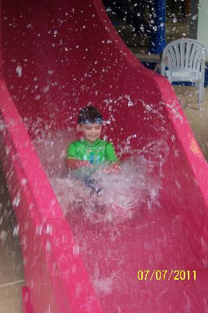 Dunes Village Resort: Water slide!