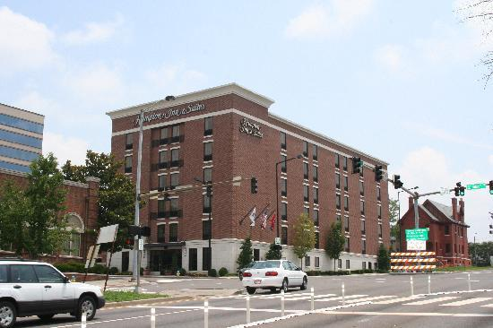Hampton Inn & Suites Knoxville - Downtown: The Hotel