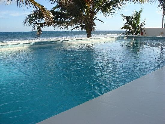 Bravo Beach Hotel: Ocean Side Infinity Pool