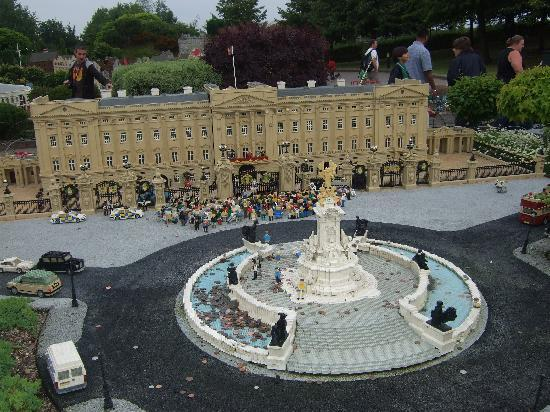 Legoland Windsor Resort: miniland