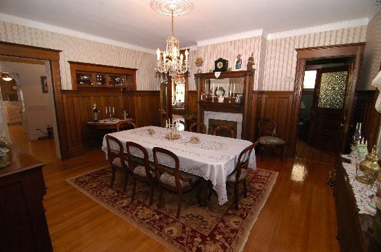 Godfrey House Inn: Dining Room