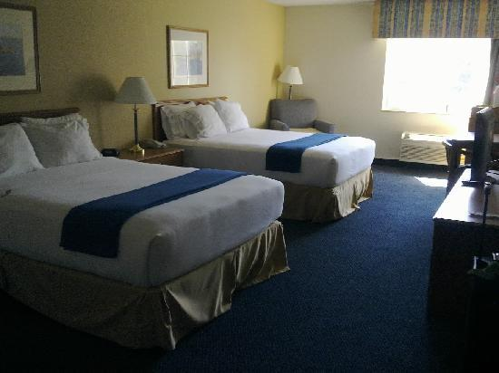 Holiday Inn Express St. Joseph: Room