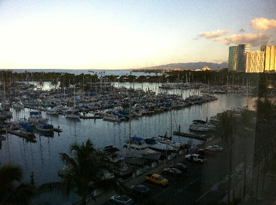 Hawaii Prince Hotel Waikiki: View from our 7th floor room