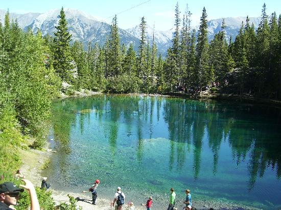 Grassy Lakes Mit Kletterfelsen Picture Of Grassi Lakes