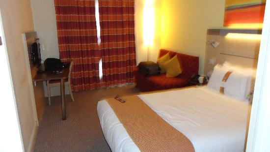 Holiday Inn Express Cheltenham: Good rooms