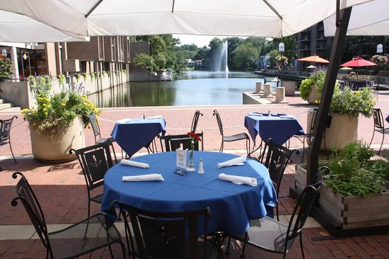 Kalypso's: Outdoor Seating