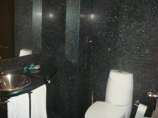 ‪‪Hotel Avenida‬: Bathroom‬