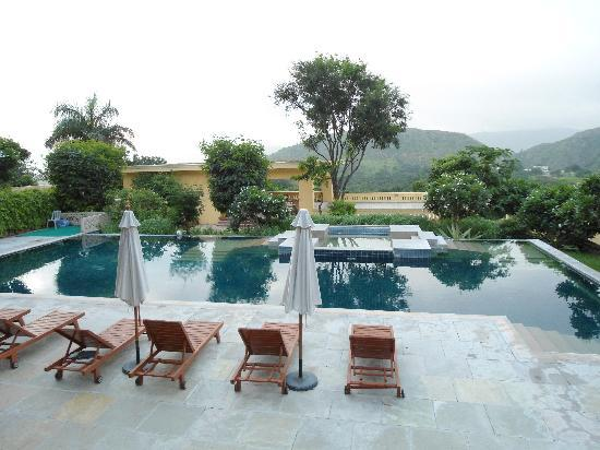 Swimming pool picture of club mahindra fort kumbhalgarh - Club mahindra kandaghat swimming pool ...
