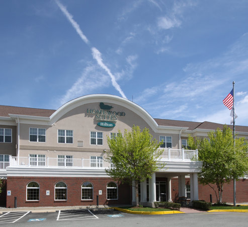 Homewood Suites Warwick: Front Entrance