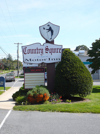 Country Squire Motor Inn
