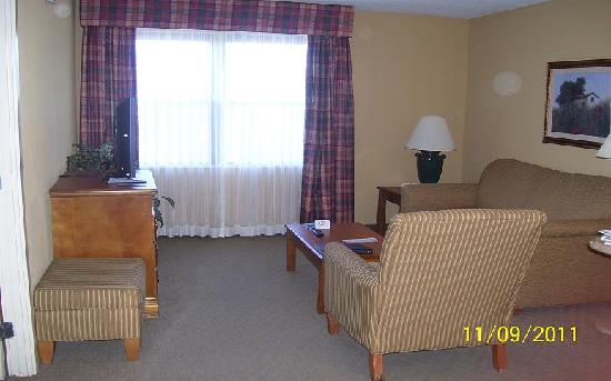 Homewood Suites by Hilton Boston-Peabody: Livingroom