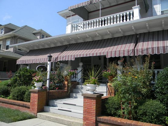 Rose Garden Inn Bed and Breakfast