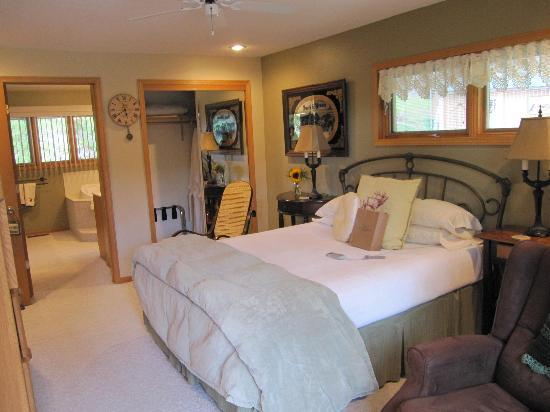 Elk Ridge Bed & Breakfast : Beautiful & Comfortable Rooms