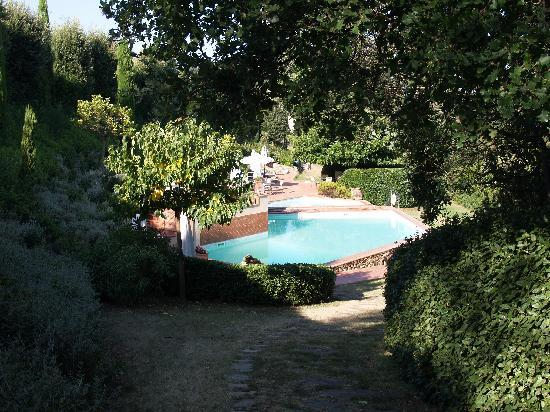 Il Torrino: View from 'Petrarch' to the pool