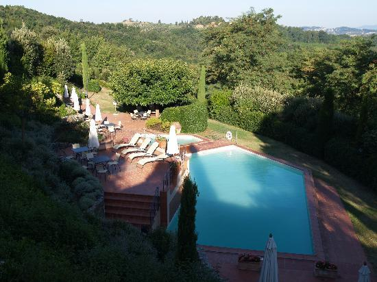 Il Torrino: View over the pool area