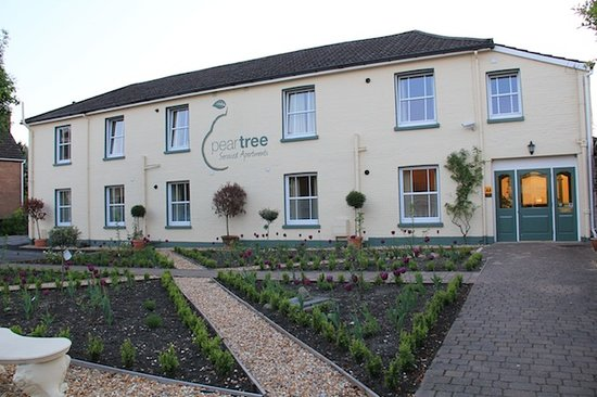 ‪Peartree Serviced Apartments Salisbury‬