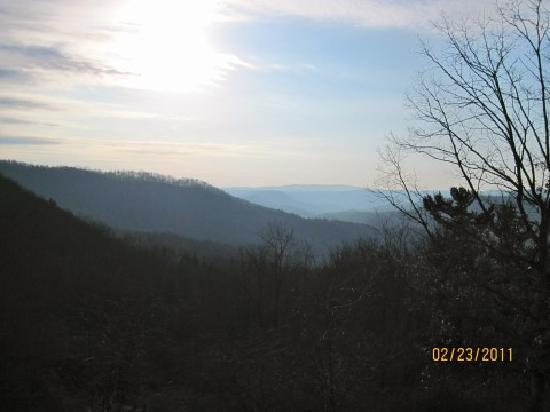 Pipestem Resort State Park Lodge: Gorgeous sunrise