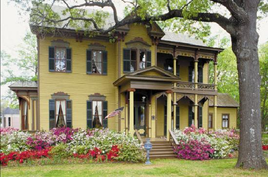 Tyler, TX: McClendon Historical Home