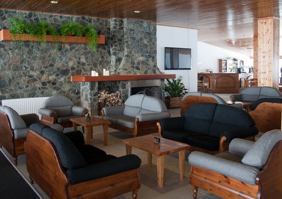 Troodos Hotel: Fire Place, Cafeteria.