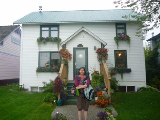 Oscar Gill House Bed and Breakfast: Well-fed and headed to Denali