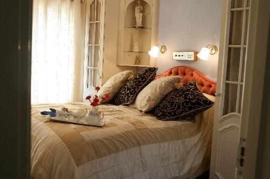Lyme Bay House: One of our very comfortable rooms