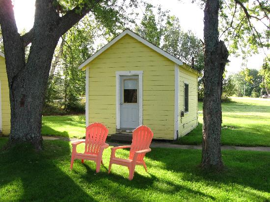 Katahdin Cabins: Our home away from home in Millinocket!
