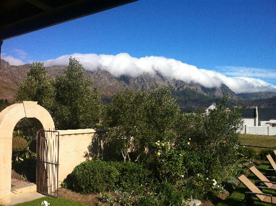 La Cabriere Country House: great mountains