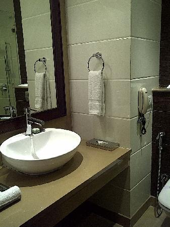 Parkland Grand: Bathroom