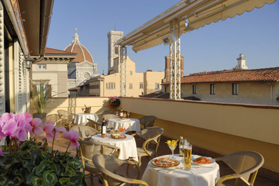 Roof terrace with view on Duomo, Florence Hotel Laurus al Duomo