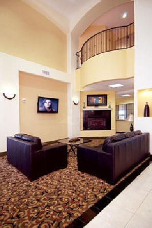BEST WESTERN PLUS Barsana Hotel &amp; Suites: Lobby