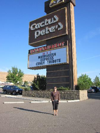 Cactus Petes Resort Casino: biggest sign in Jackpot NV