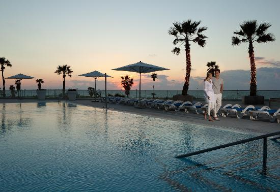 InterContinental David Tel Aviv: Our pool at sunset