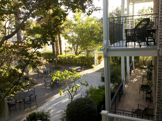 The Beaufort Inn: A magical courtyard