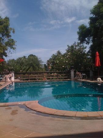 Sea Breeze Place: nice pool..!!