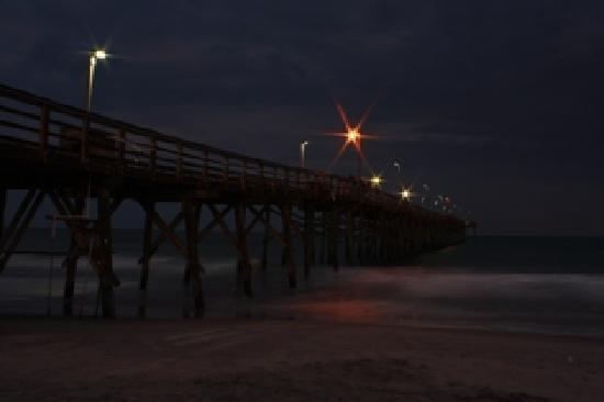 Surfers picture of jolly roger inn pier topsail beach for Jolly roger pier fishing report