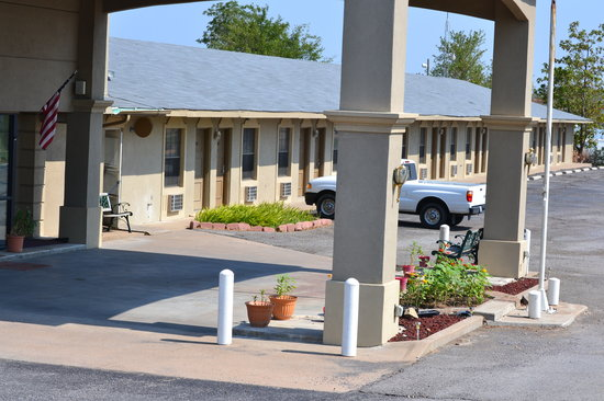 Americas Best Value Inn & Suites Savanna/McAlester