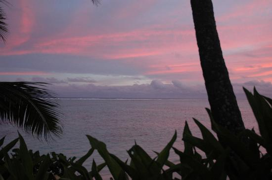 Little Polynesian: Sunset taken from our daybed