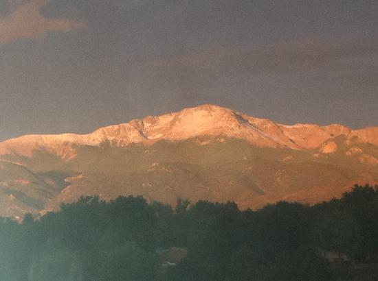 Hyatt Place Colorado Springs: FROM OUR ROOM WINDOW