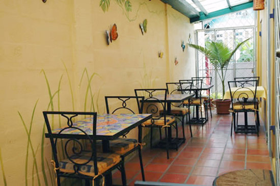 Forty Winks Inn: Our dining patio, where our famous, made-to-order breakfasts are served daily.
