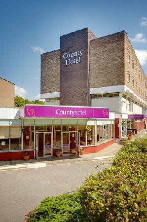 County Hotel Woodford