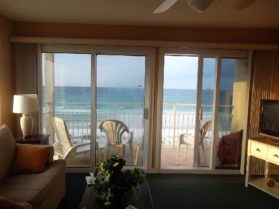 Crystal Sands Condominiums: living room view