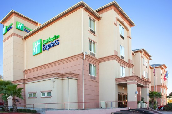 Holiday Inn Express Houston - Hobby Airport: Entrance to our new Houston Hobby Hotel.