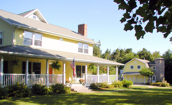 ‪McKenzie House Bed & Breakfast‬
